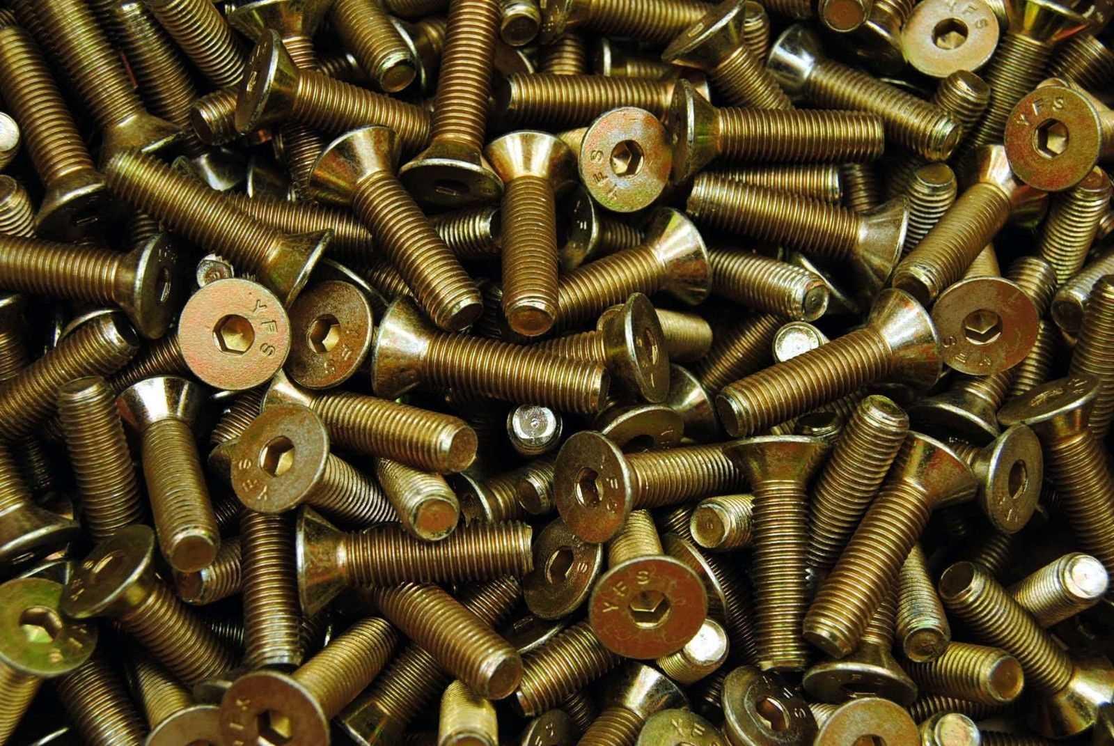 DIN 7991 Senkschrauben mit Innensechskant gelb verzinkt 8.8 Foto/Skizze: Schraube & Mutter 49429 Visbek