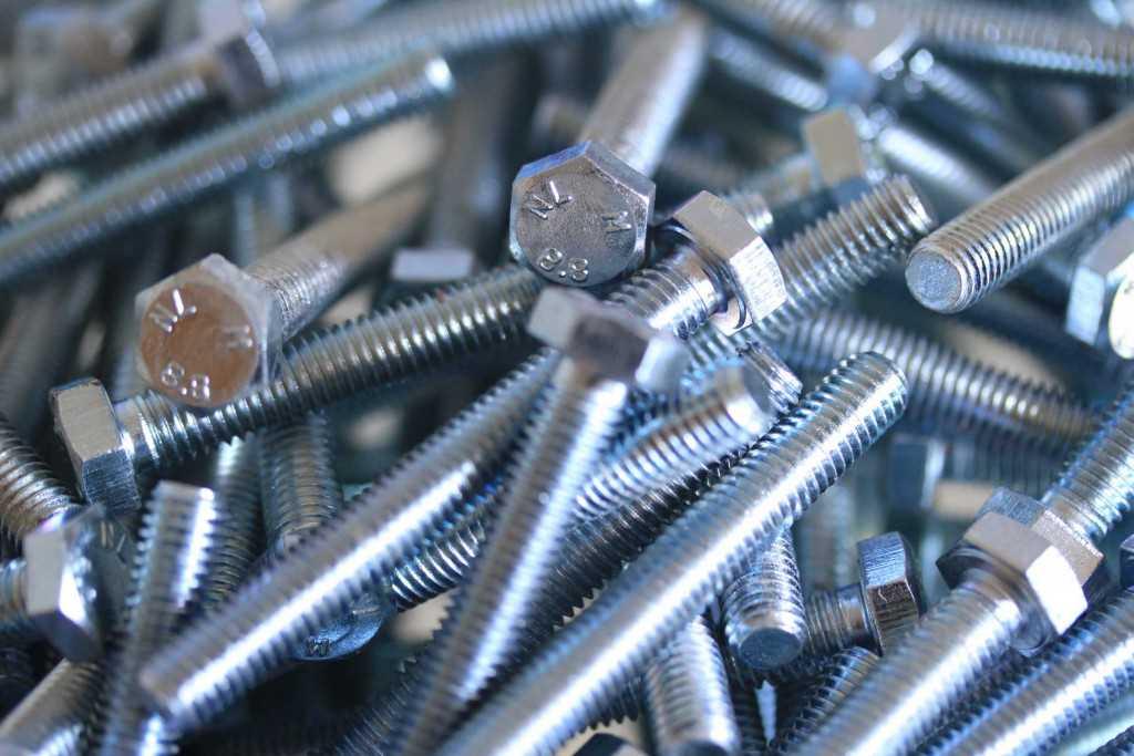 Sechskantschrauben mit Schaft ISO 4014 10.9 Stahl blank M 27 M 30