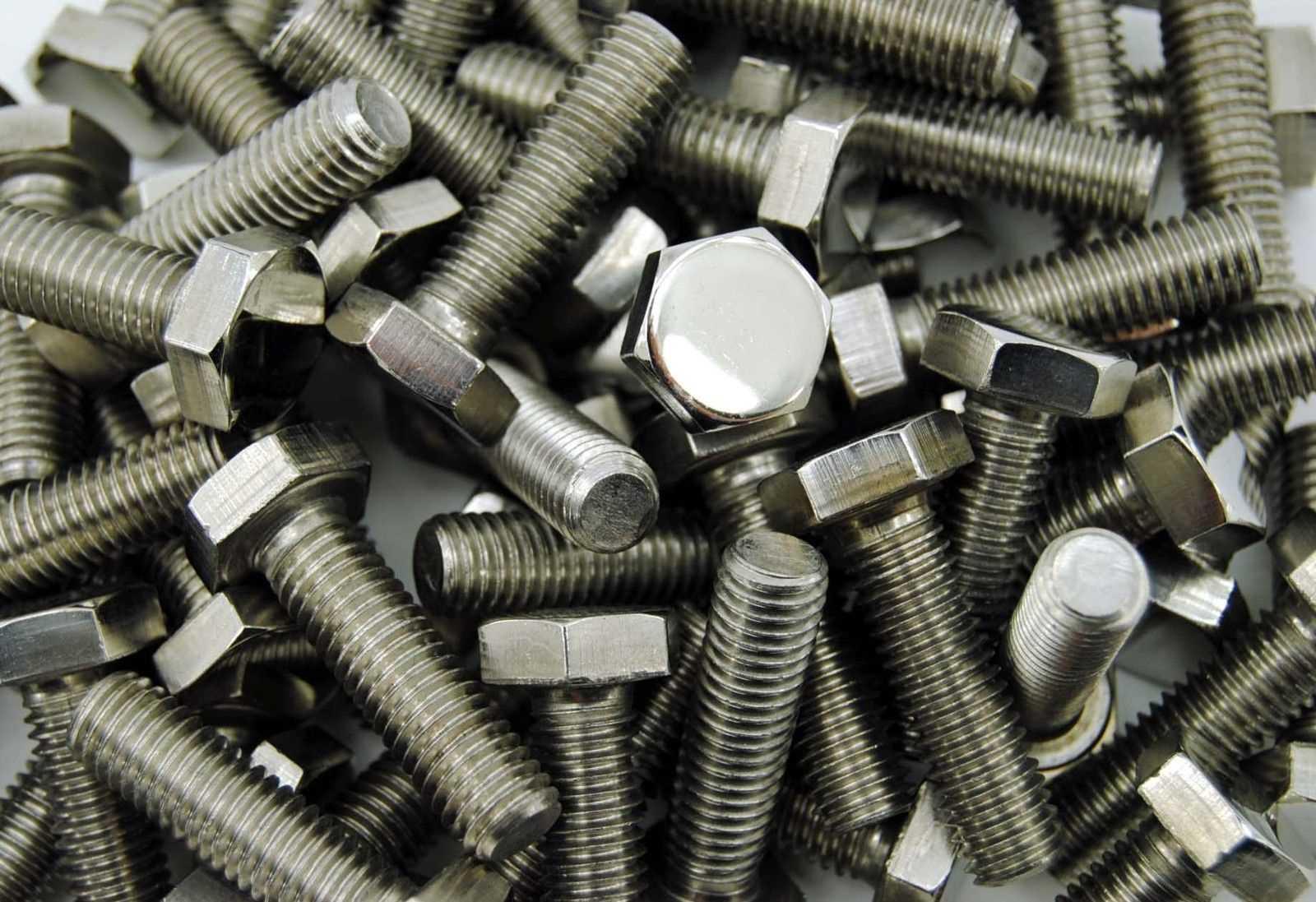 ISO 4017 Sechskantschrauben galvanisch verzinkt 8.8 Foto: Schraube & Mutter 49429 Visbek