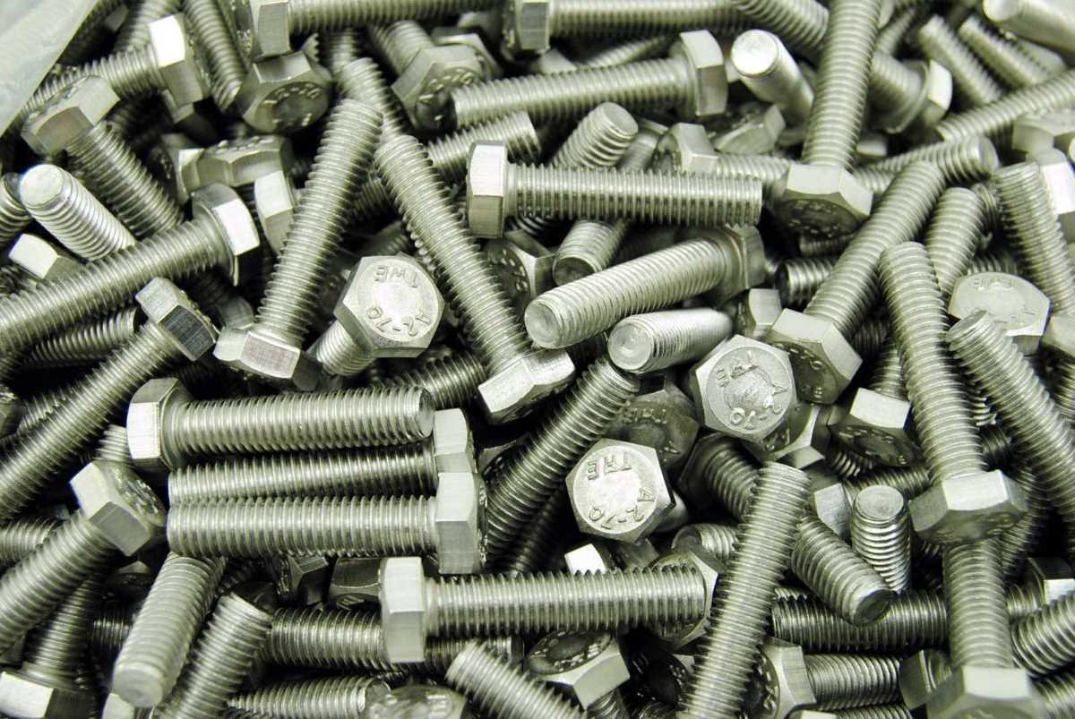 Schrauben M10 - die Bezeichnung für die metrische Nenngröße von 10,0 mm in der Verbindungstechnik und Befestigungstechnik für alle Verbindungselemente