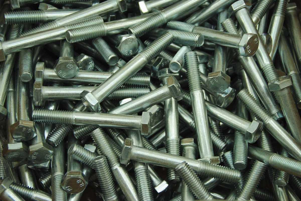 Schrauben M14 - die Bezeichnung für die metrische Nenngröße von 14,0 mm in der Verbindungstechnik und Befestigungstechnik für alle Verbindungselemente