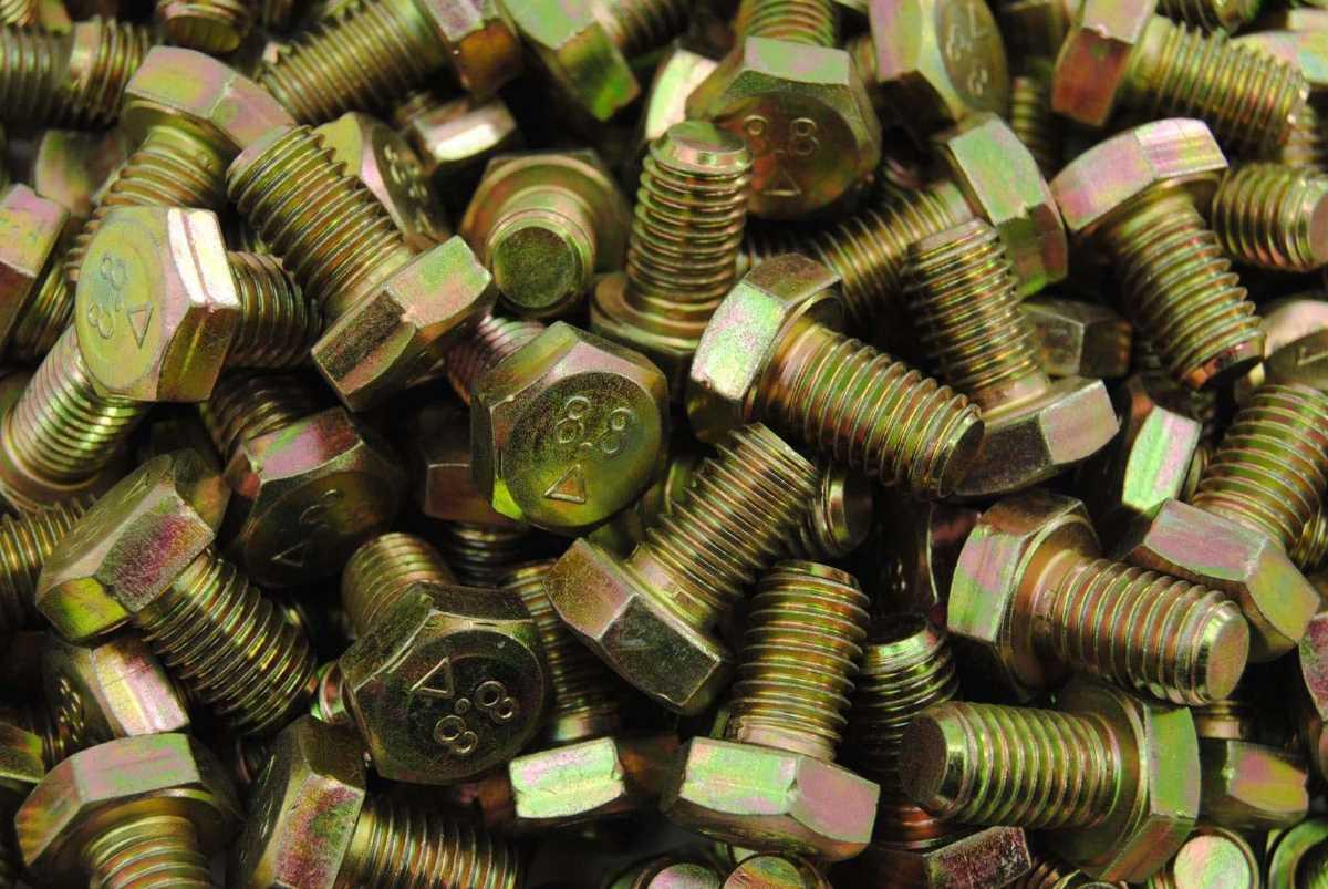 Schrauben M7 - die Bezeichnung für die metrische Nenngröße von 7,0 mm in der Verbindungstechnik und Befestigungstechnik für alle Verbindungselemente
