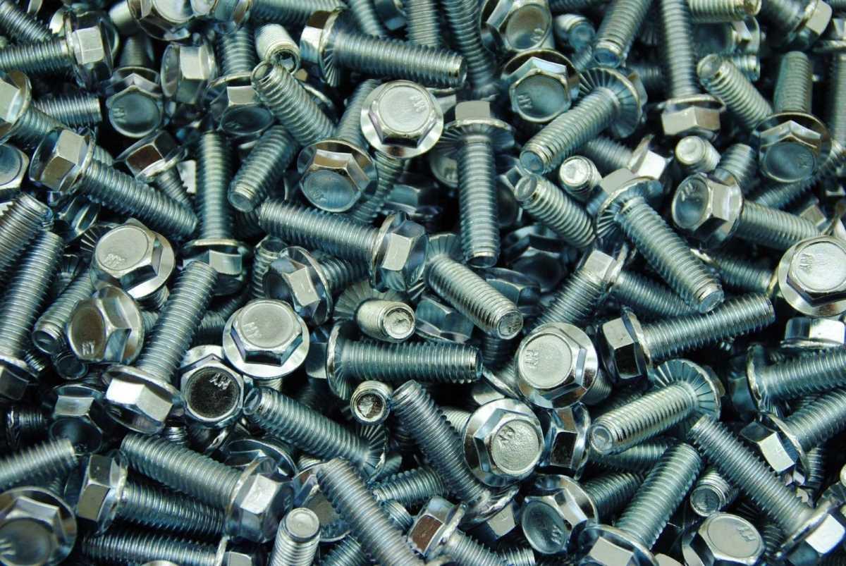 Schrauben M8 - die Bezeichnung für die metrische Nenngröße von 8,0 mm in der Verbindungstechnik und Befestigungstechnik für alle Verbindungselemente