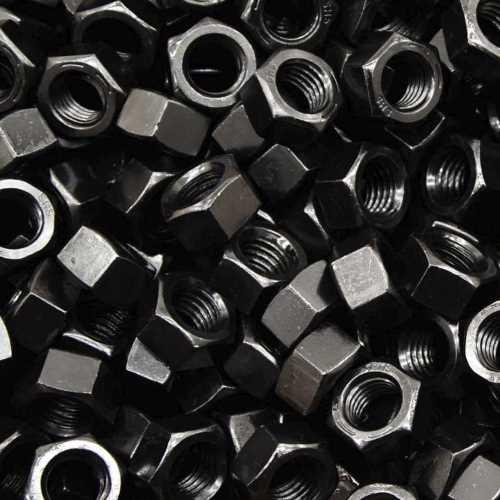Sechskantmuttern ISO 4032 schwarz brüniert Klasse 12