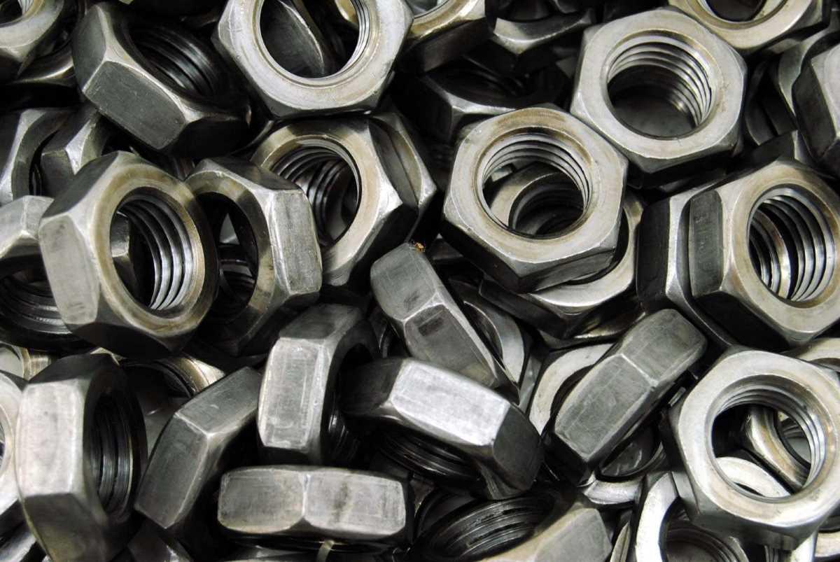 Stahl blank die Oberfläche für Schrauben und Muttern nach DIN oder ISO Norm